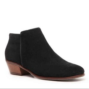 CROWN VINTAGE Tabitha Suede Leather Ankle Boots